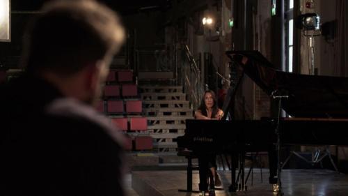 Gloria Campaner in concerto con un pianoforte Steinway & Sons Piatino